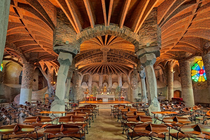 Read more about The Crypt in Güell´s Colony
