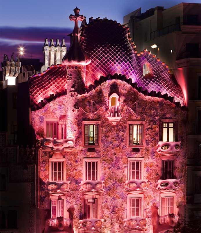 Read more about Casa Batlló in pink against Breast Cancer